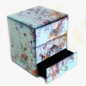 Стъклена Бижутерка с чекмеджета