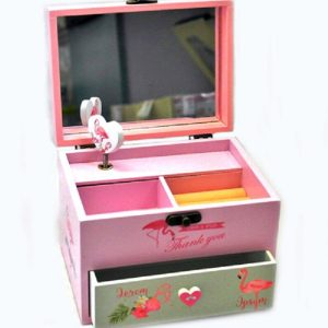 Музикална кутия за бижута с огледало