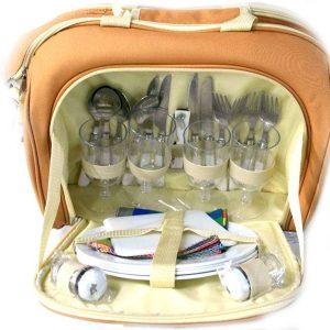 Комплект прибори за пикник за четирима в чанта