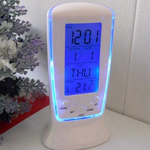 Дигитален часовник с термометър, календар, аларма опция за нощно светене.