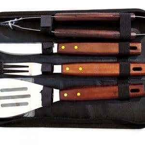 Комплект за скара на барбекю от 4 прибора: нож, шпатула, вилица, щипка в черен калъф с цип.
