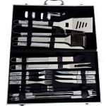 Луксозен комплект за барбекю 23 части в елегантен метален куфар.