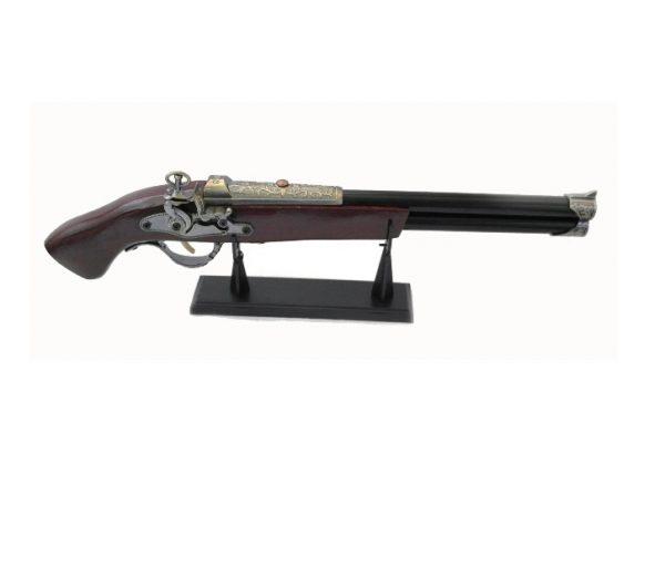 """Макет на """"Ретро"""" пистолет с дълга цев на поставка"""
