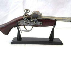 макет на пистолет